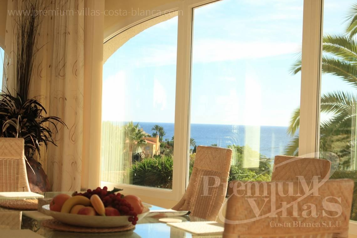 C1984 - Villa for sale close to the beach with a guest apartment and nice sea view 3