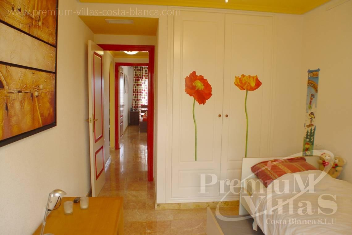 - A0576 - Modern apartment just a few metres from the beach with sea and mountain views 7
