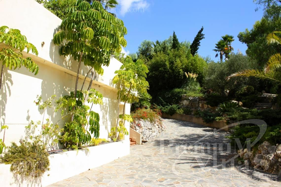 - C1179 - Villa at the golf course Don Cayo in Altea with sea views. 8
