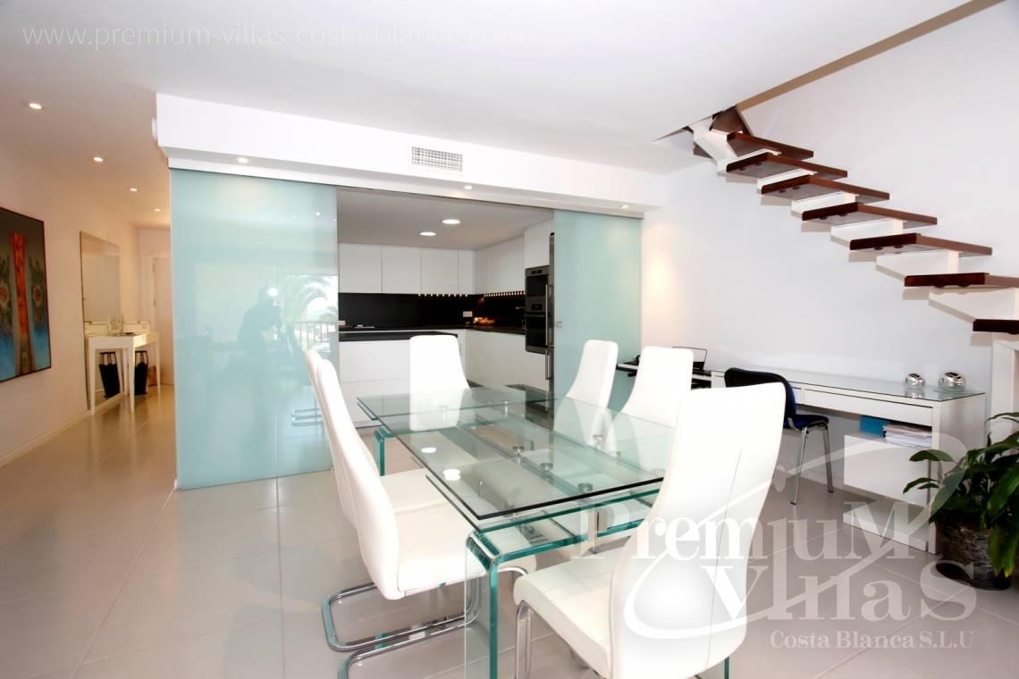 - A0592 - Amazing duplex in Marina Greenwich (Campomanes) with sea views. 6