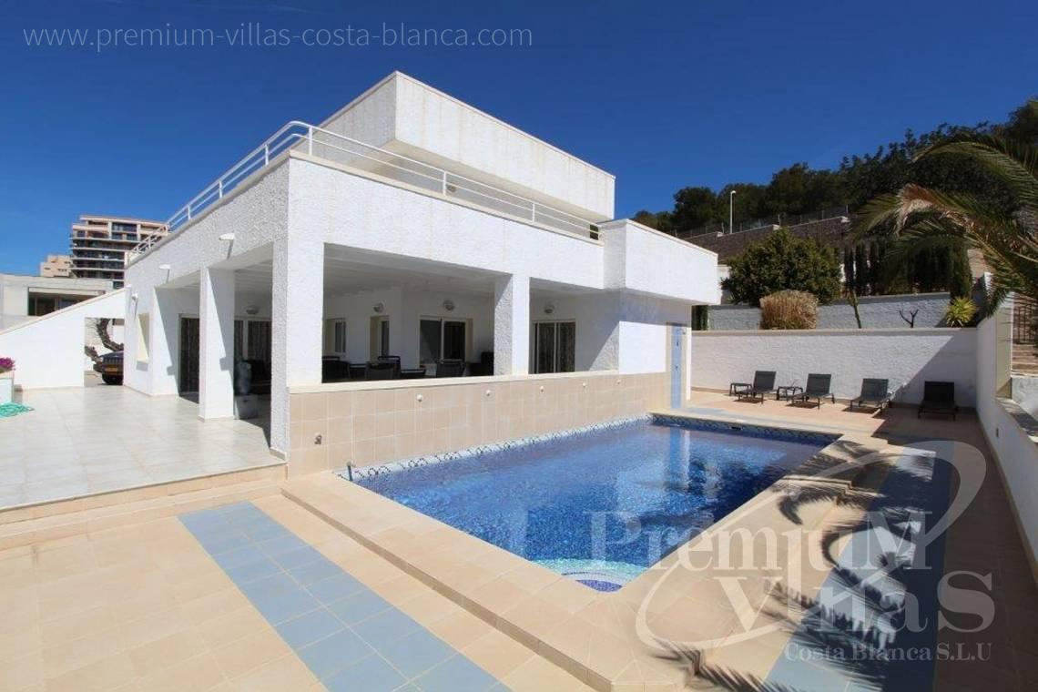 Buy villas houses sea view Altea Calpe Moraira Benissa Costa Blanca - C1893 - Modern villa in Calpe,  well located near the old town and the sea. 1