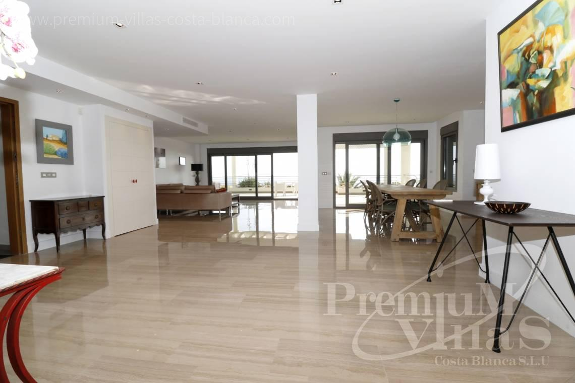 - A0610 - Beach apartment in residential Mascarat Beach 12