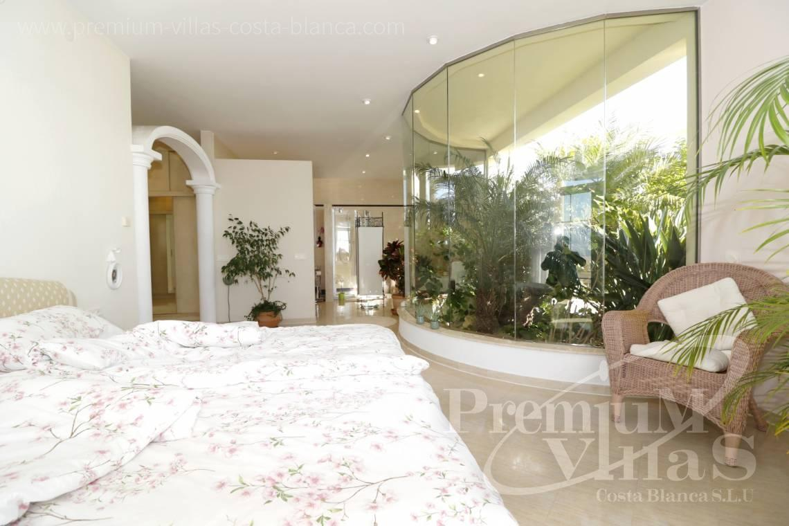 Master bedroom in the luxury villa with sea views in Altea  - C2251 - Luxury villa in prime location in Altea 9