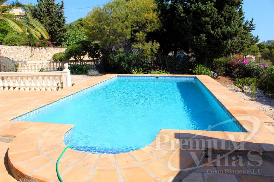 House villa for sale Calpe Costa Blanca - C2215 - Villa in Calpe with 4 bedrooms, just 5 minutes from the beach, shops and restaurants. 3