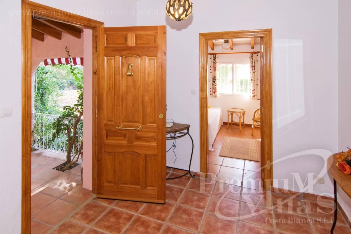 - C2129 - Privately located villa with sea view and beautiful garden in Altea 19