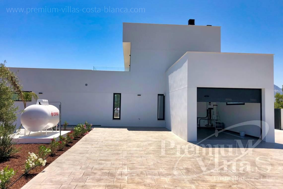 - C2042 - Modern villa for sale in Calpe with nice sea views 27