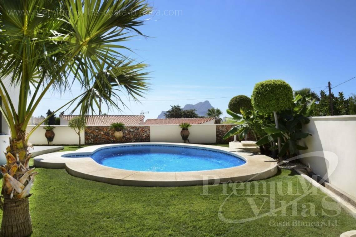 Buy house villa property  Calpe Costa Blanca - C2223 - Modern villa in Calpe close to the beach  16
