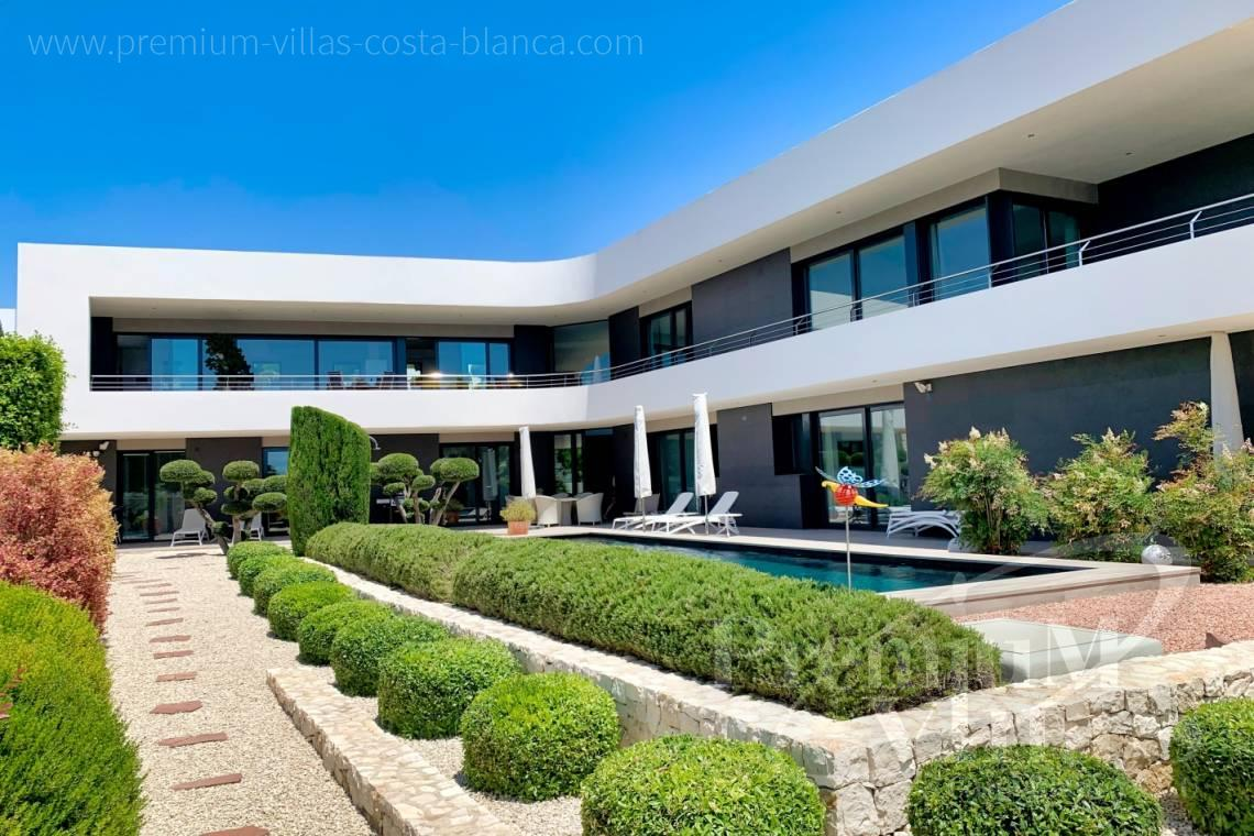 - C2433 - Spacious modern luxury villa in Moraira 4