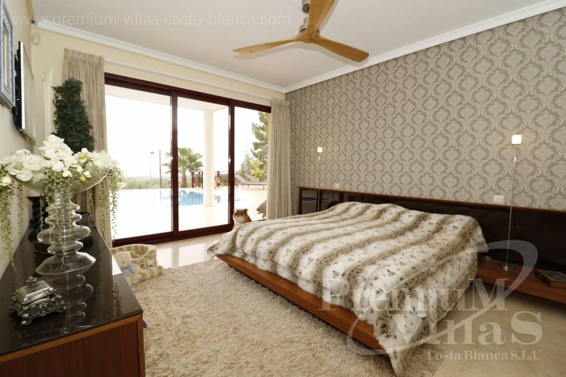 - C2237 - Luxury villa in urb. Santa Clara with guest house 10