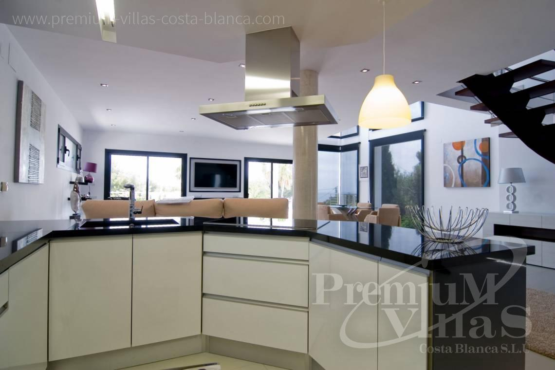- C2002 - Modern villa for sale near the sea 7