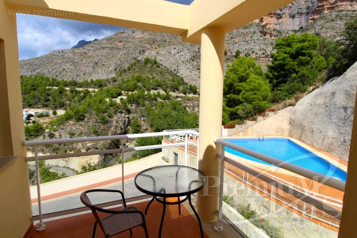 - C2214 - Corner bungalow with panoramic sea and mountain views 18
