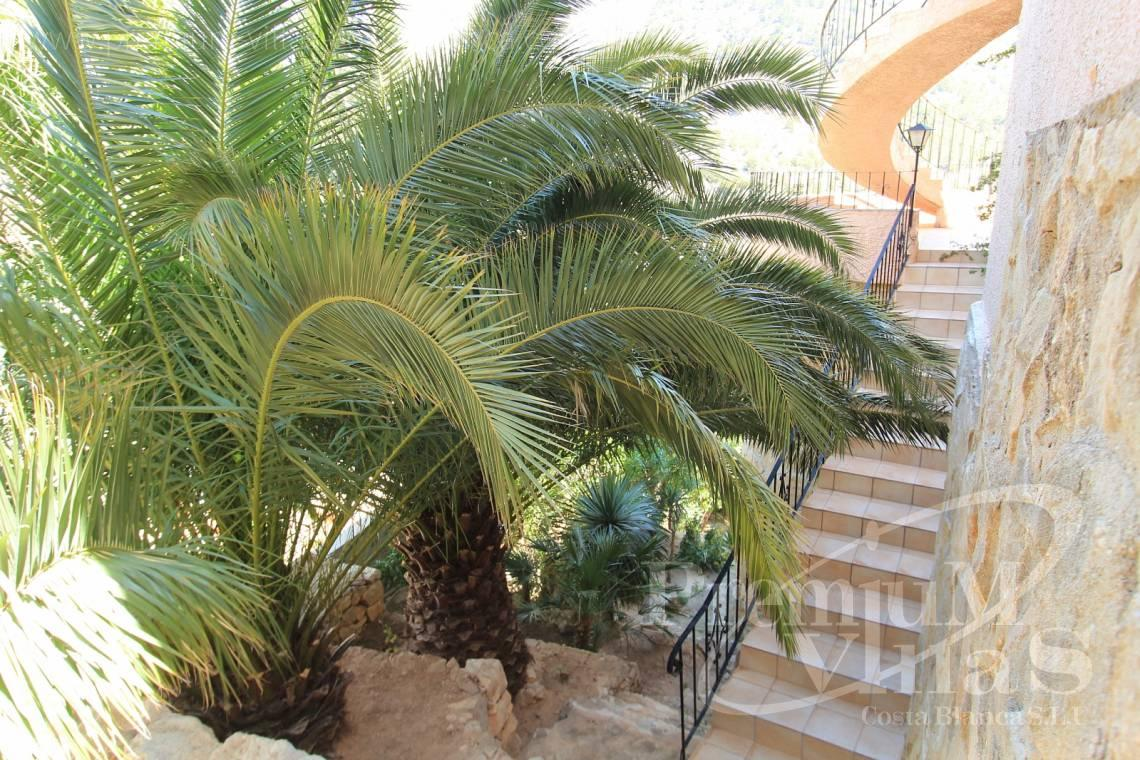 - C1604 - Detached 5 bedrooms Villa near the sea in Calpe 8