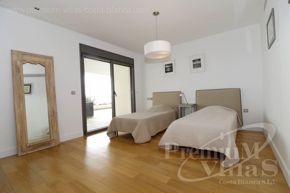 - A0610 - Beach apartment in residential Mascarat Beach 7