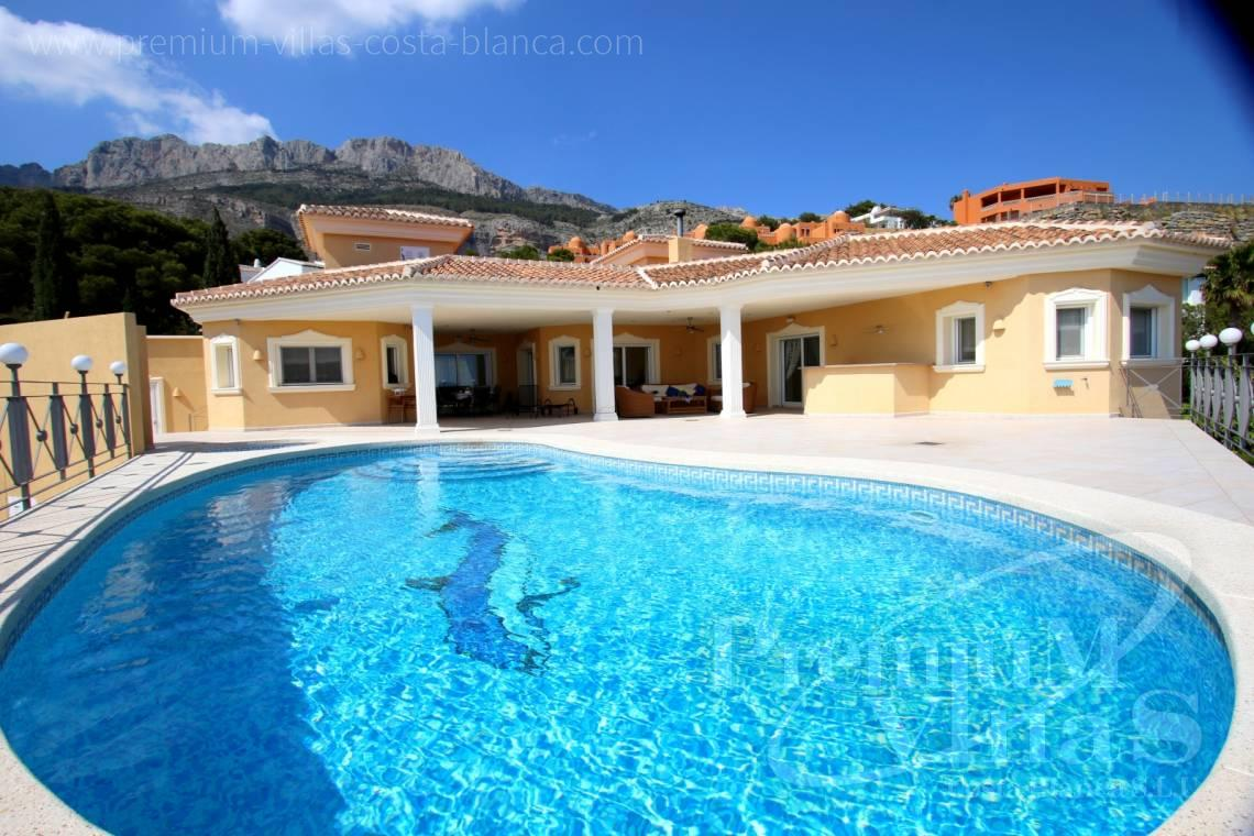 Buy villas houses sea view Altea Costa Blanca - C2163 - Beautiful villa with guest studio and stunning views over the bay of Altea 5
