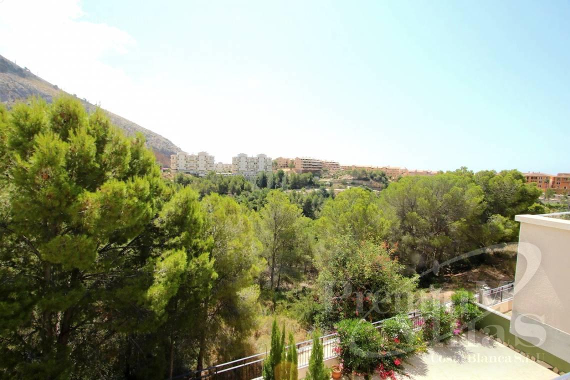 - A0552 - Beautiful and spacious penthouse in Mascarat 27