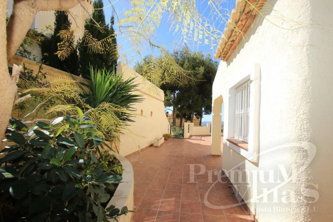 - C1925 - Well maintained semi-detached house in Altea Hills with large terrace and garage 5