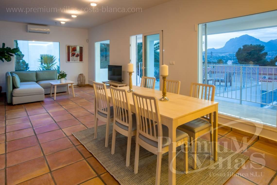 - C2210 - Albir: Completely renovated villa with stunning mountain views. 9