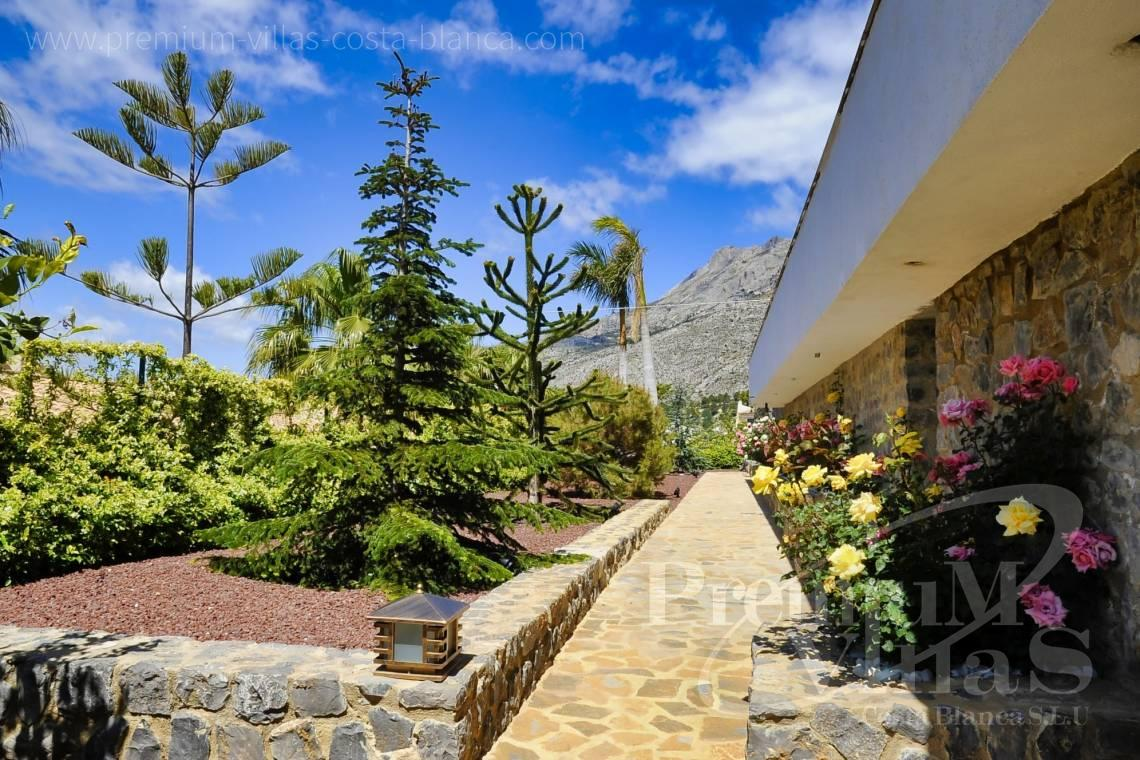 - C2316 - Modern luxury villa with sea views in Altea 29