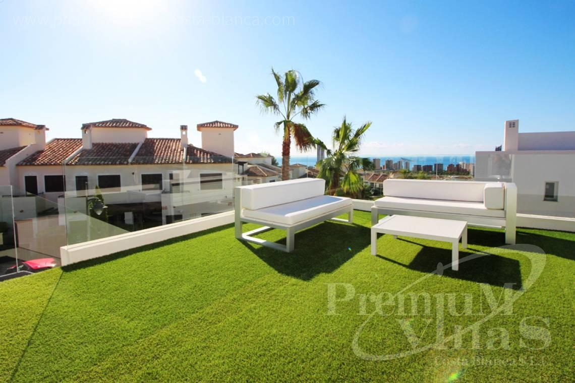 Buy villas houses bungalows Finestrat Costa Blanca - C2160 - Modern 3 bedroom villas close to the golf course and with sea views. 2