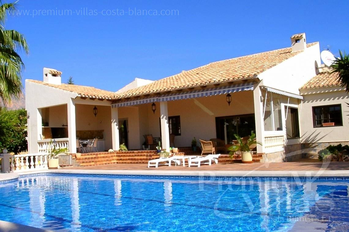 Buy 4 bedrooms villa house la Nucia Costa Blanca - C1075 - Villa set on a flat plot of 4500sqm close to supermarkets 2