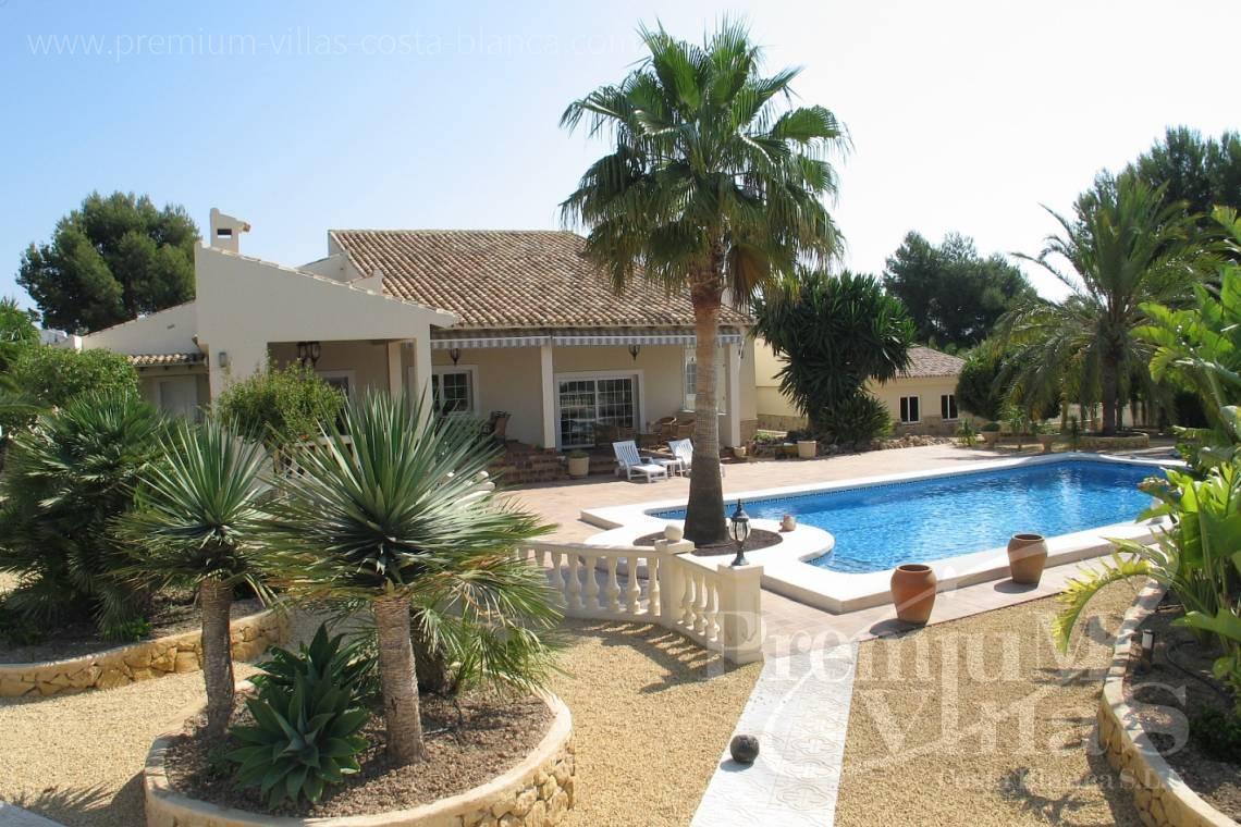4 bedrooms house villa for sale La Nucia Costa Blanca - C1075 - Villa set on a flat plot of 4500sqm close to supermarkets 4
