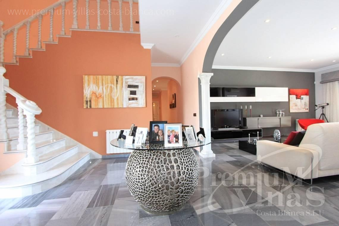 - C1589 - Magnificent mansion on the sea front in Moraira 8