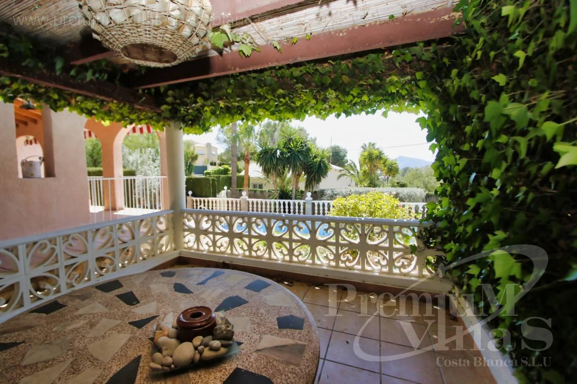 - C2129 - Privately located villa with sea view and beautiful garden in Altea 8