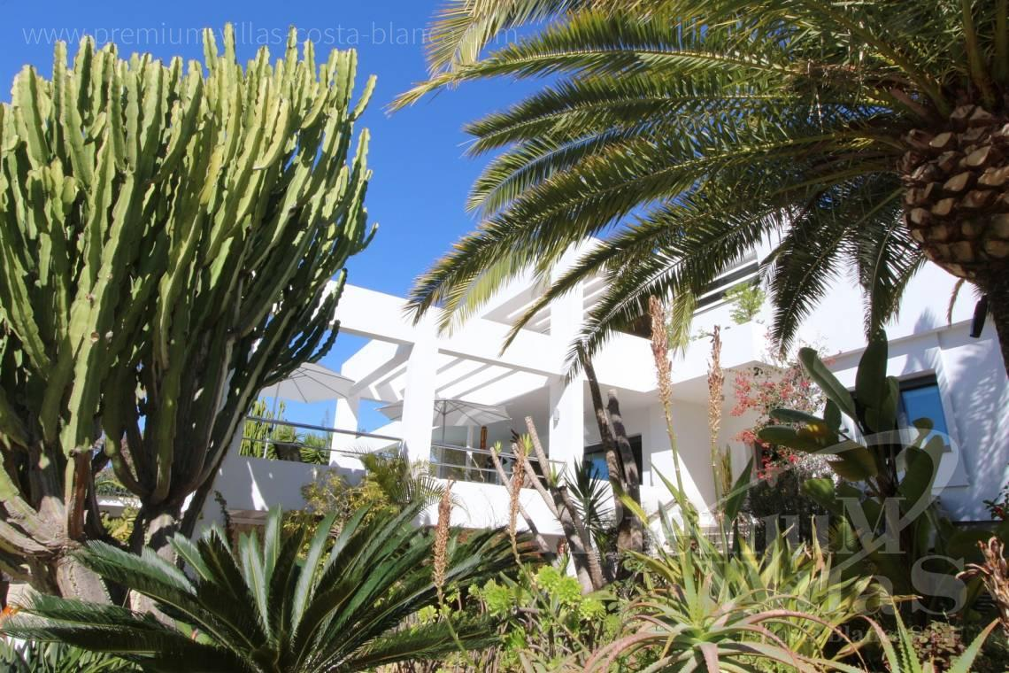 - C1765 - Modern villa at the golf course in Altea with panoramic views 11