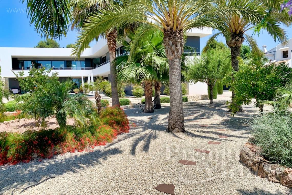 - C2433 - Spacious modern luxury villa in Moraira 32