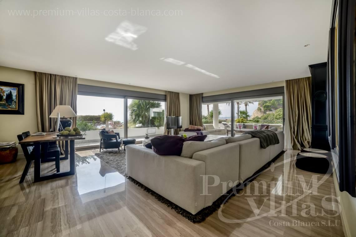 - A0607 - 5 bedroom luxury apartment in residential Mascarat Beach 11
