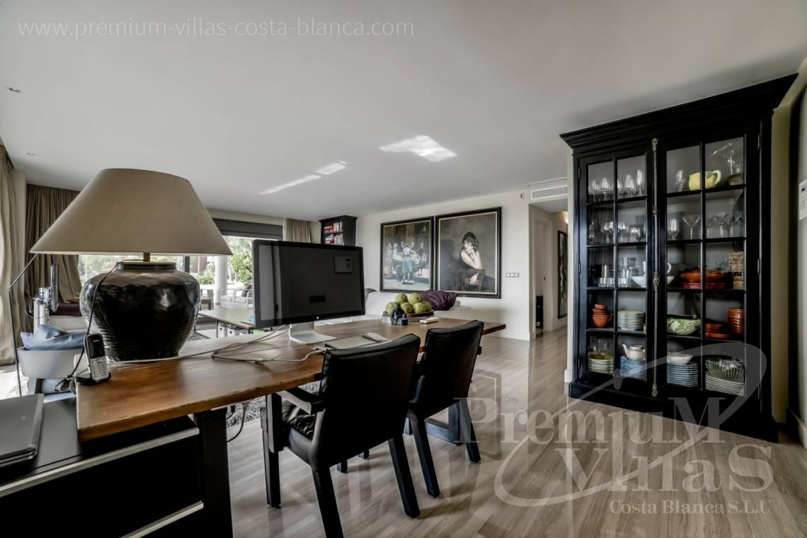 - A0607 - 5 bedroom luxury apartment in residential Mascarat Beach 12