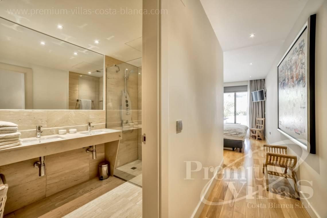 - A0606 - Seafront apartment in residential Mascarat Beach 19