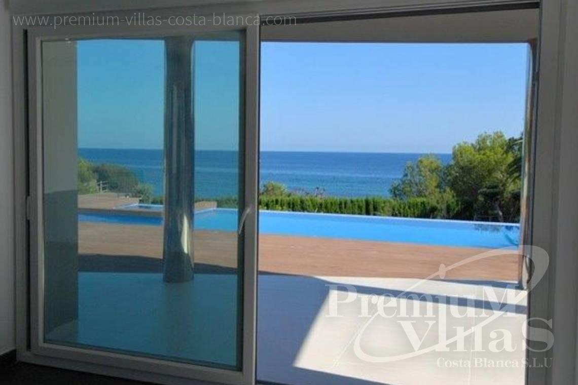 front line villa for sale Calpe Costa Blanca  - C1645 - 1st sea line: Modern luxury villa with access to the beach in Calpe 7
