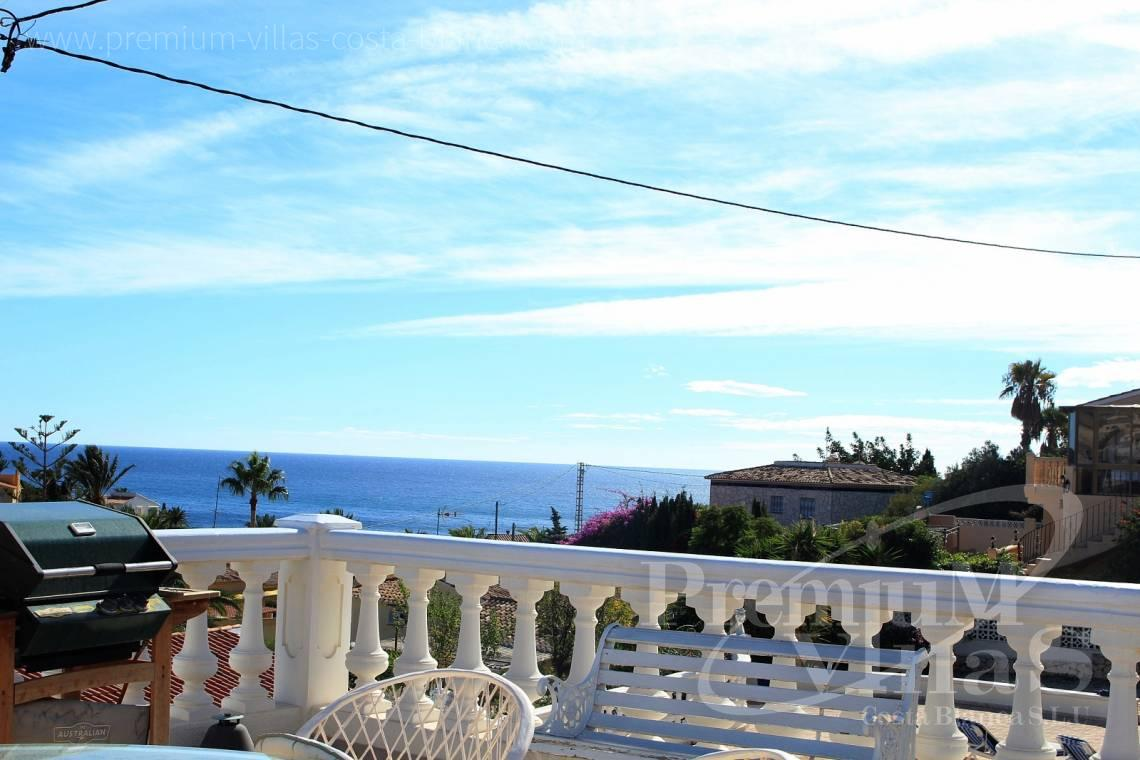 C1984 - Villa for sale close to the beach with a guest apartment and nice sea view 2