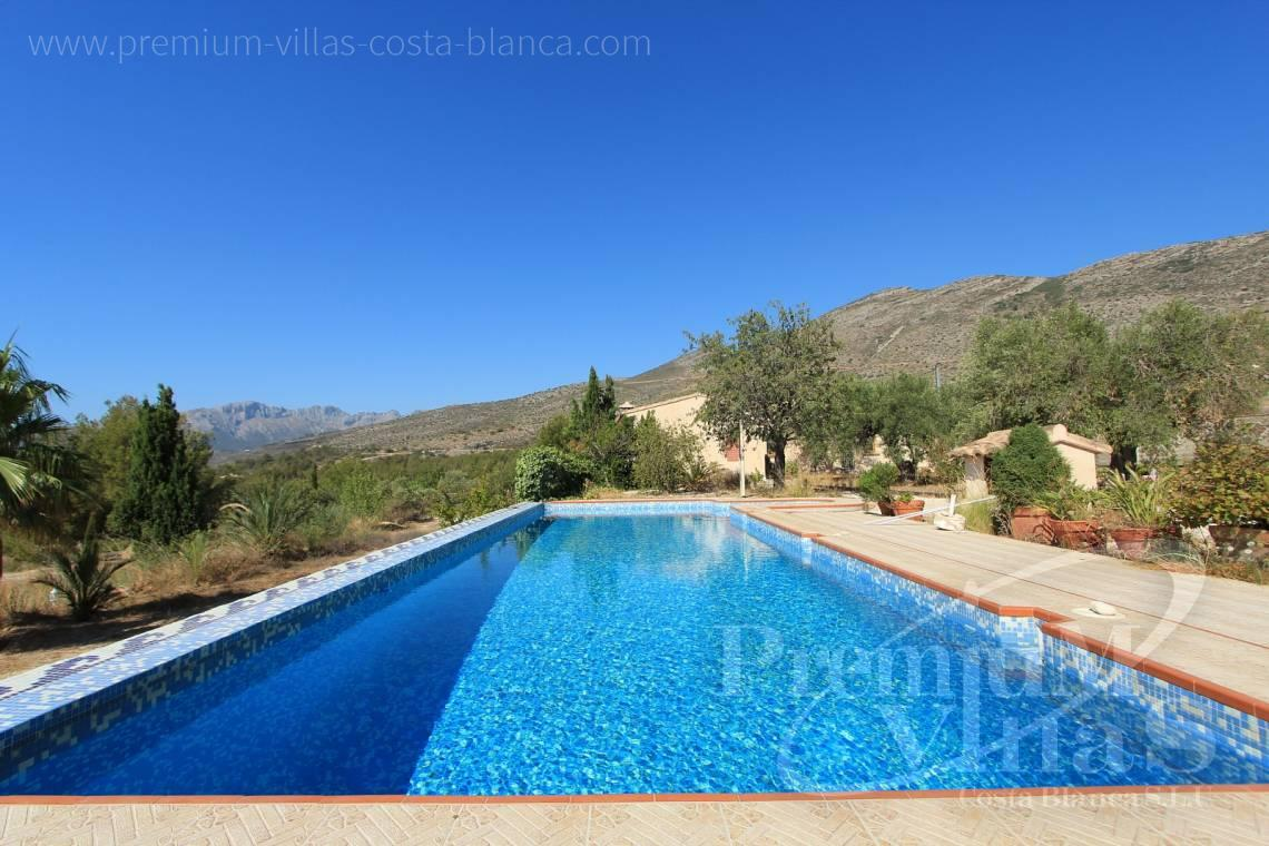 finca land house with swimming pool  for sale Benissa Costa Blanca - C1826 - Spacious country house with two guests studios ideal place for horses 3