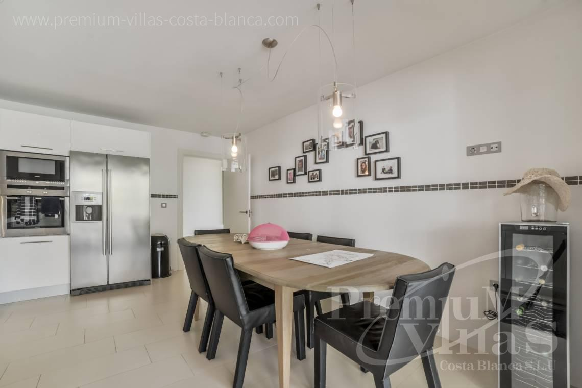 - A0607 - 5 bedroom luxury apartment in residential Mascarat Beach 13