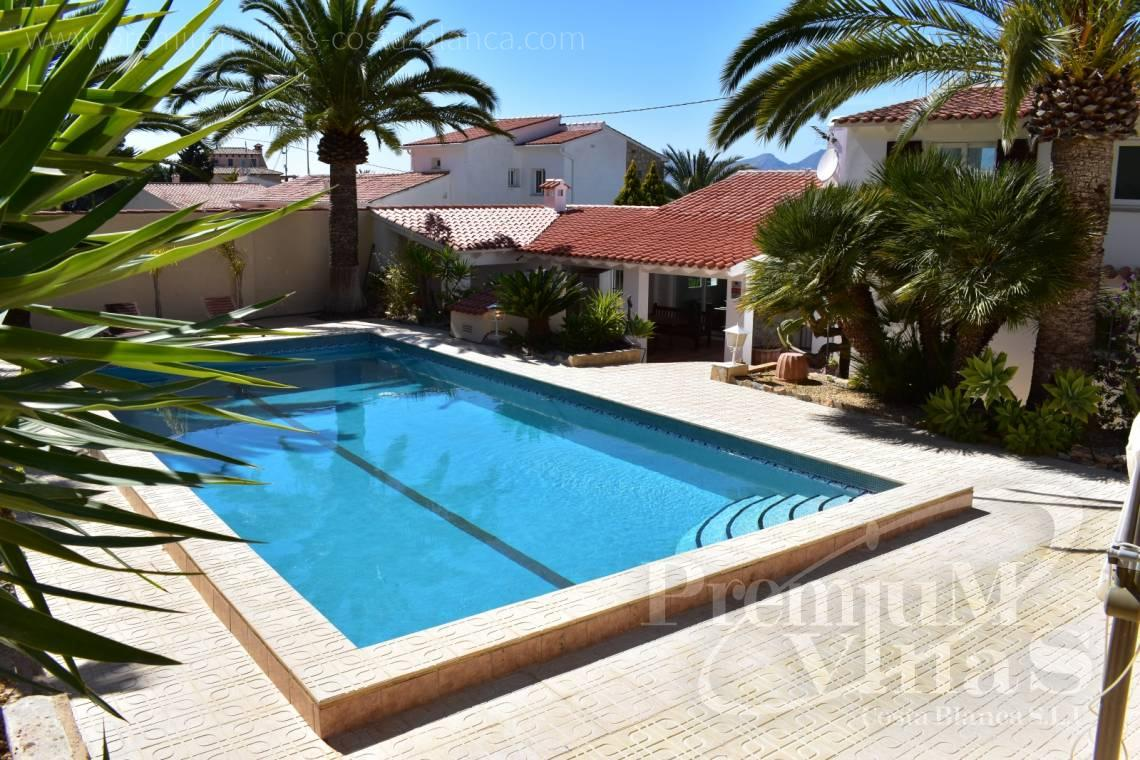 - C2210 - Albir: Completely renovated villa with stunning mountain views. 4