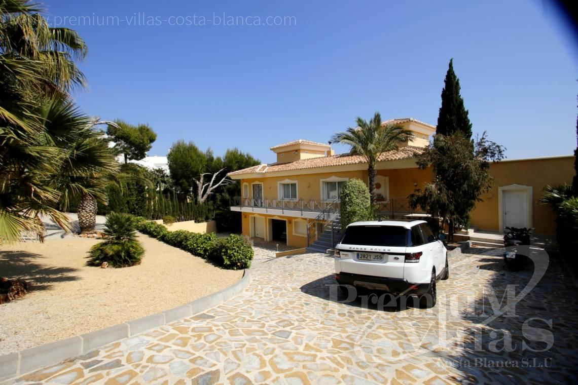 - C2163 - Beautiful villa with guest studio and stunning views over the bay of Altea 4