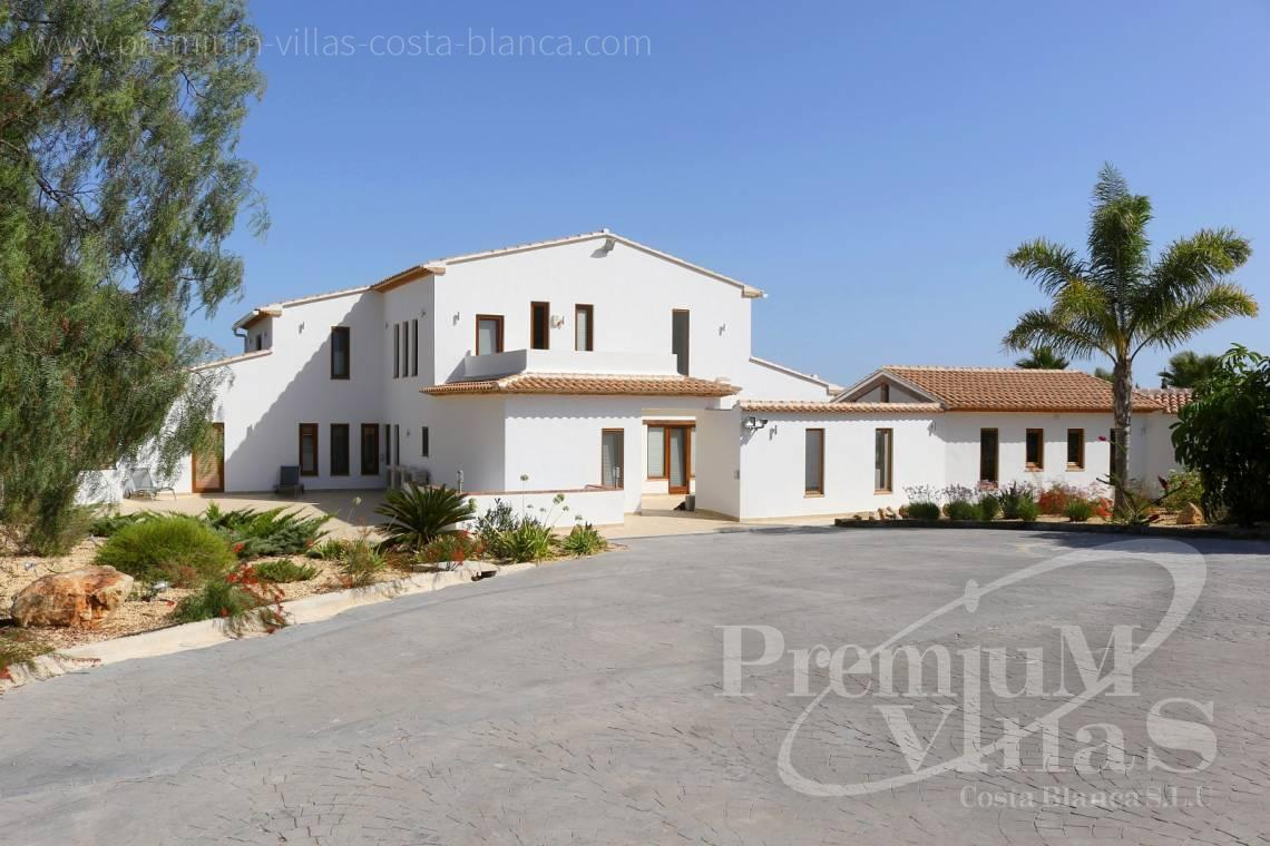 - C2417 - Amazing Finca in Benissa with a 13.000sqm flat plot and sea views 4