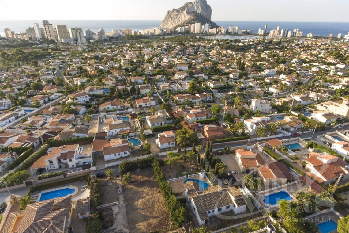 Buy  modern villa near the beach in Calpe Costablanca - C2240 - Modern villa in urbanization Ortenbach in Calpe 12
