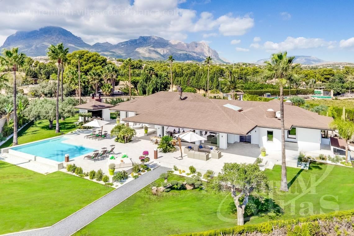 Buy villa on one level in Alfaz del Pí Costablanca - C2096 - Amazing Villa in Alfaz del Pi with a plot of 12,000 m2 13