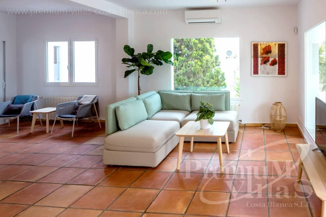 - C2210 - Albir: Completely renovated villa with stunning mountain views. 15