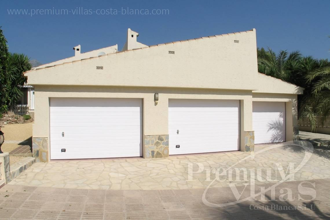- C1075 - Villa set on a flat plot of 4500sqm close to supermarkets 7
