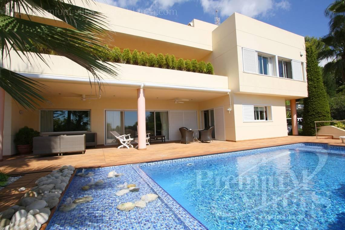 modern villas for sale Costa Blanca Spain - C1179 - Villa at the golf course Don Cayo in Altea with sea views. 1