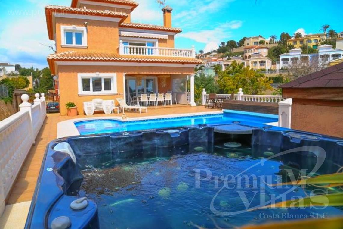 Buy villas houses sea view Calpe Costa Blanca - C1849 - Villa located only 200m from the beach and sports harbour in Calpe 1