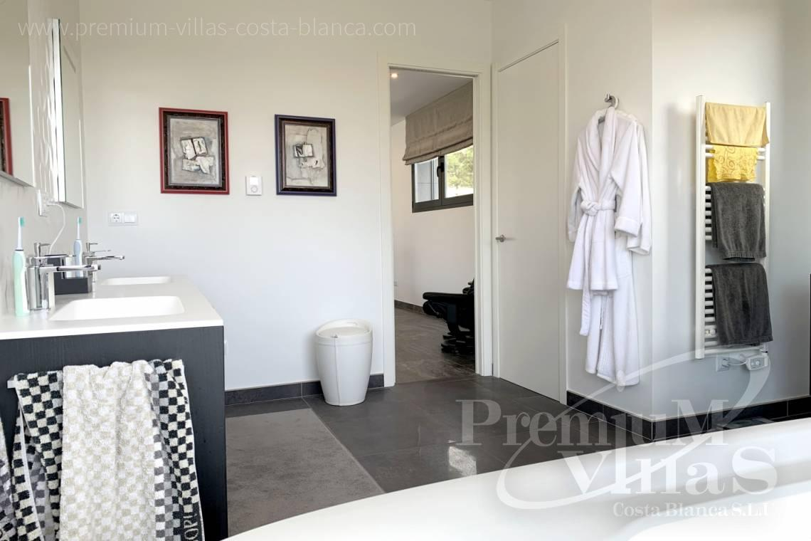 - C2433 - Spacious modern luxury villa in Moraira 19