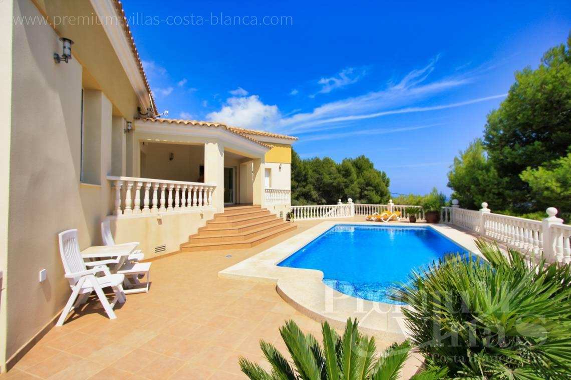 Buy villa near the golf club in Altea Costa Blanca - C1298 - Contemporary style villa in Altea for sale with nice sea view 3