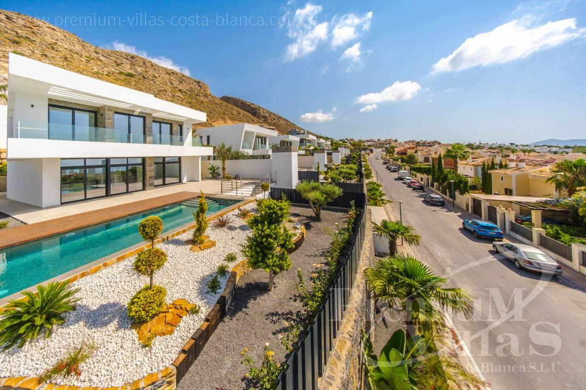 - C2300 - Modern villas with guest apartment in Finestrat 26