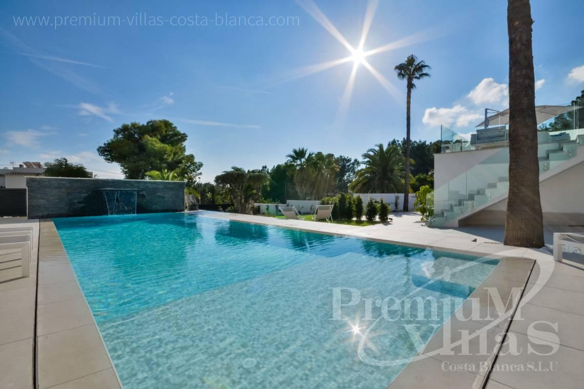 - C2010 - Modern villa with large guest apartment 8