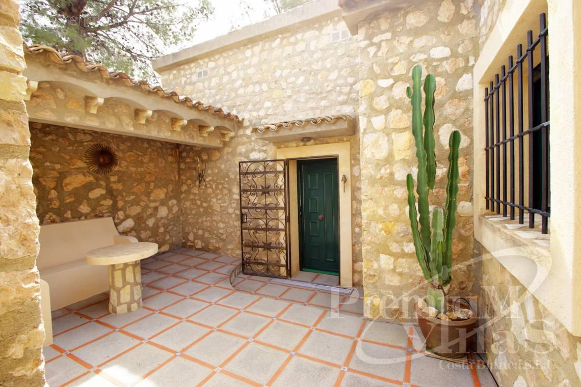 - C2241 - Villa with guest house in Alfaz del Pí 4